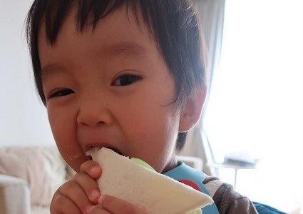 幼児食  手づかみ(1歳半/あおいママさん)保育園から帰ったら:食わず嫌い